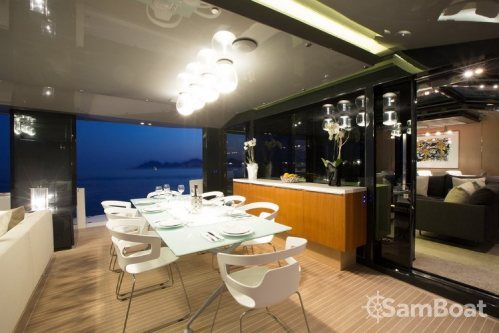 Arcadia-Yachts 25.90 metres (85') tra personale e professionale Cannes