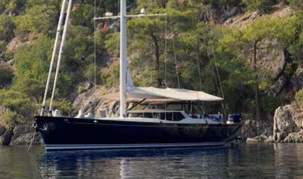 """Pendennis 29.15 metres (95' 8"""") tra personale e professionale Antibes"""