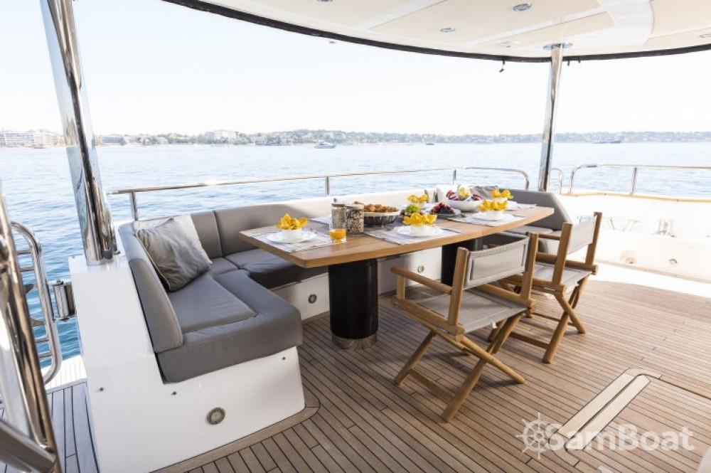 Noleggio Yacht con o senza skipper Sunseeker Saint-Tropez