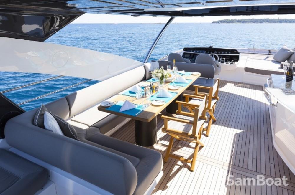 """Noleggio barche Sunseeker 28.15 metres (92' 4"""") Saint-Tropez su Samboat"""