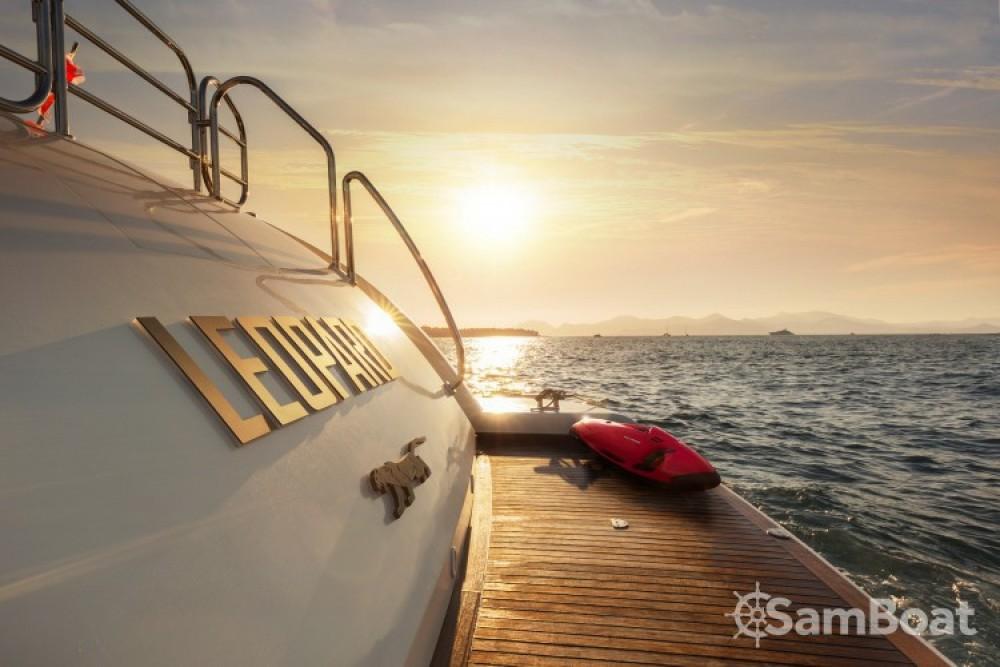 Noleggio Yacht Andrea-Bacigalupo con una patente