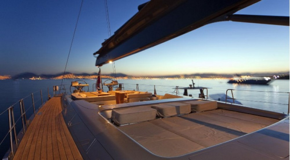 """Noleggio barche German-Frers 30.45 metres (99' 11"""")  su Samboat"""