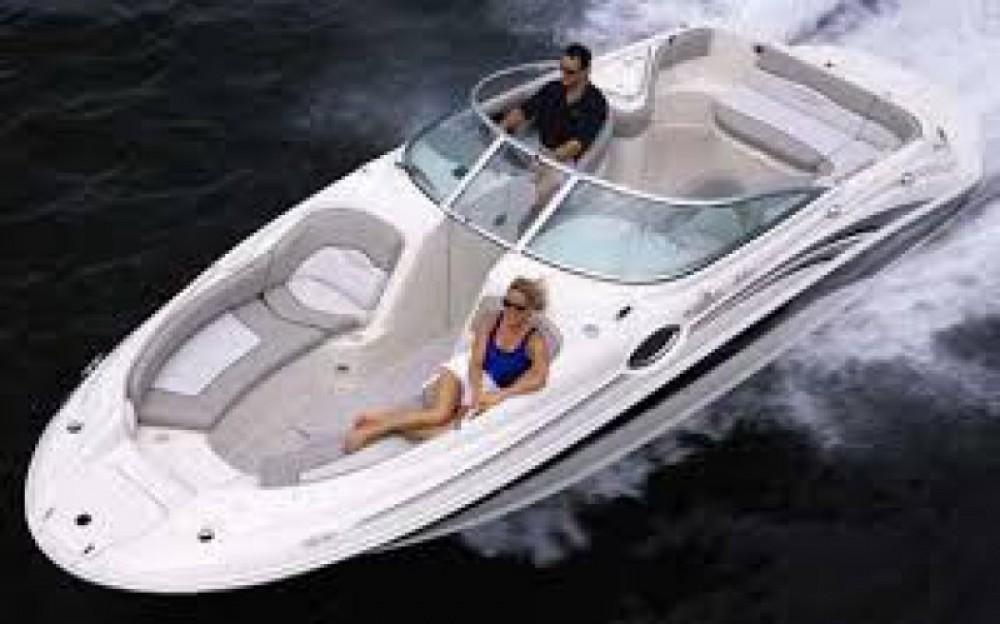 Noleggio yacht Puerto Deportivo de Marbella - Sea Ray Sea Ray 240 Sundeck su SamBoat