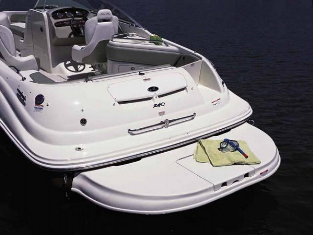 Barca a motore a noleggio Puerto Deportivo de Marbella al miglior prezzo