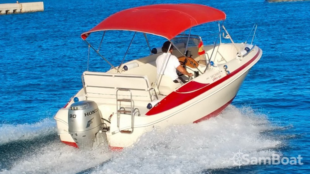 Noleggio Barca a motore con o senza skipper Sessa Marine Real Club Náutico