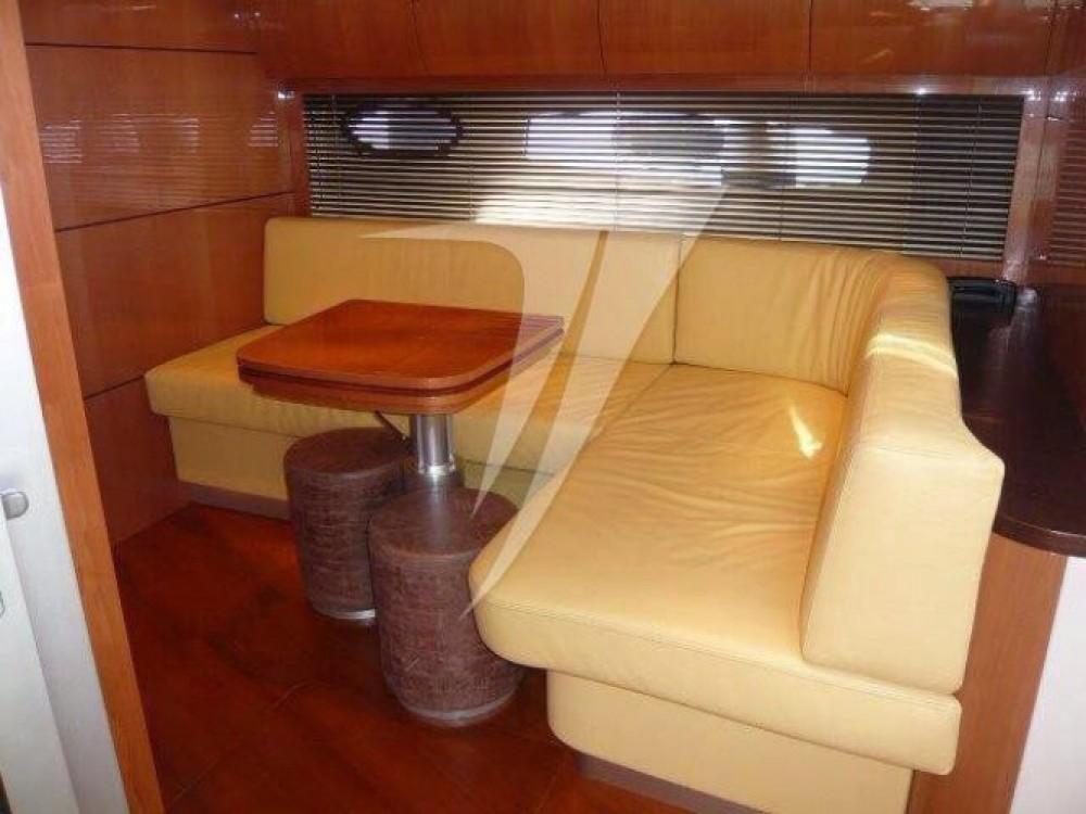 Noleggio barche Castellammare economico Pershing 56