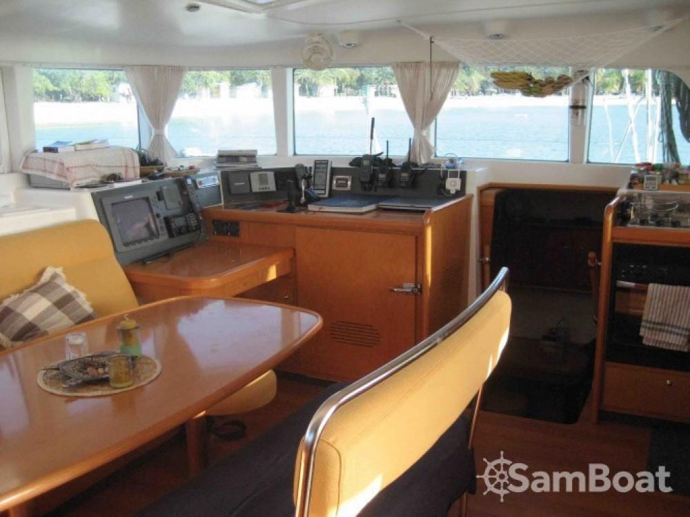 Noleggio Catamarano con o senza skipper Lagoon Sorong