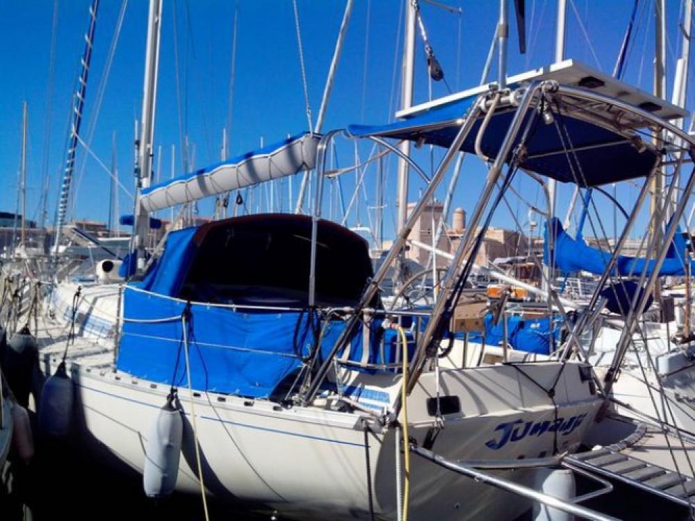 Barca a vela a noleggio Martigues al miglior prezzo