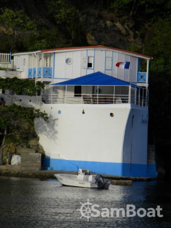 Jeanneau Sun Odyssey 35 tra personale e professionale Pointe-à-Pitre