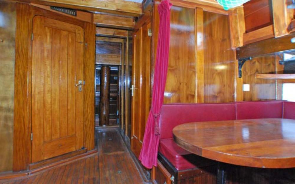 Noleggio barche Marsiglia economico GOELETTE