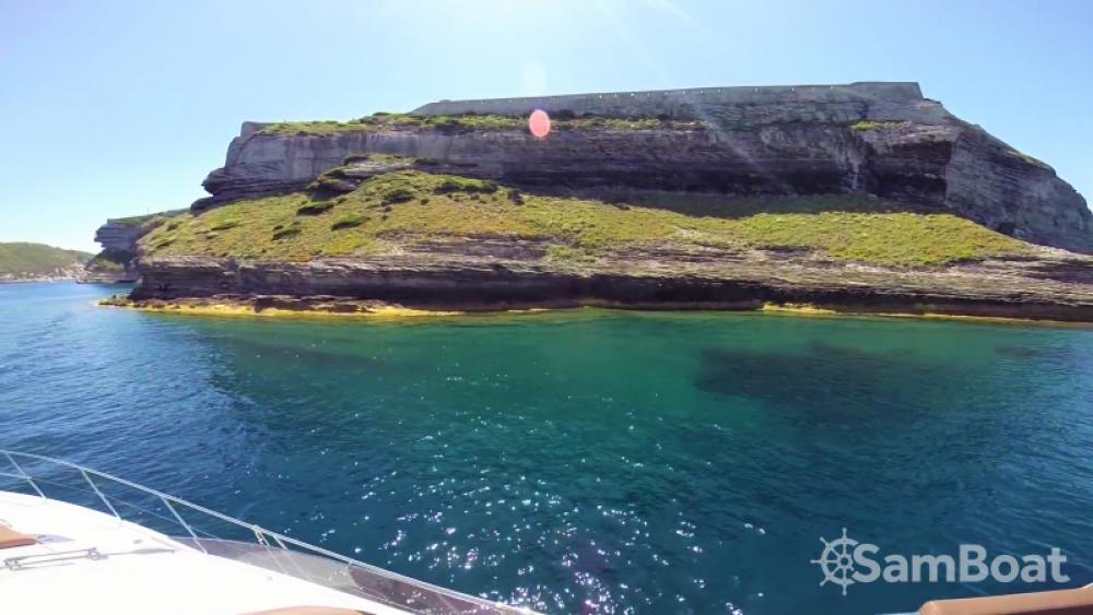 Noleggio barche Antibes economico Monte Carlo 47 Fly