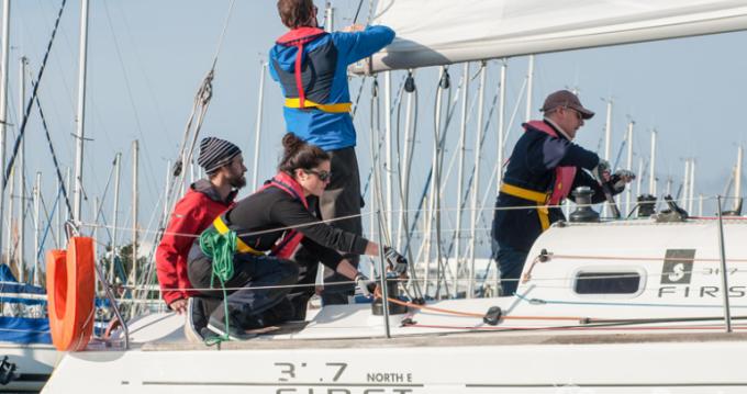 Noleggio Barca a vela a Brest – Bénéteau First 31.7