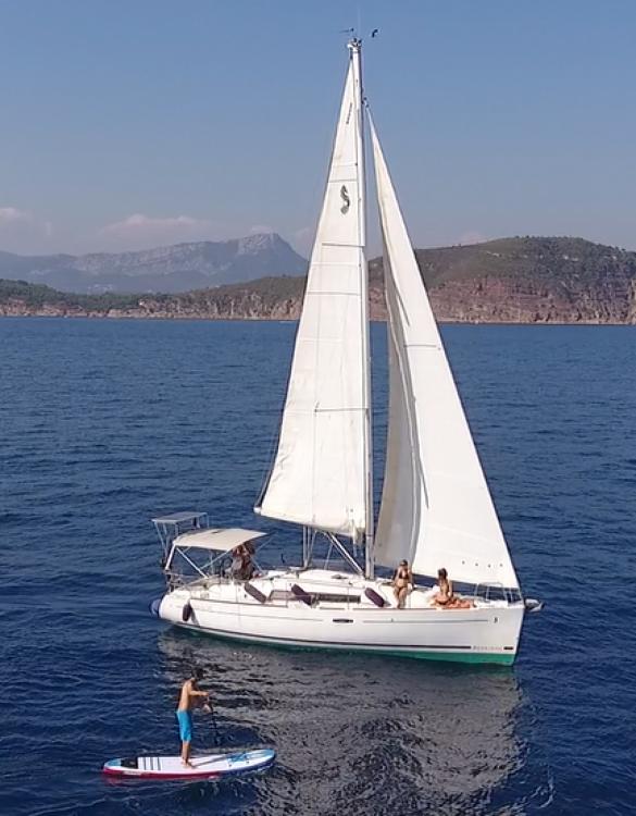Noleggio barche Bénéteau Oceanis 34 Elegance Tolone su Samboat