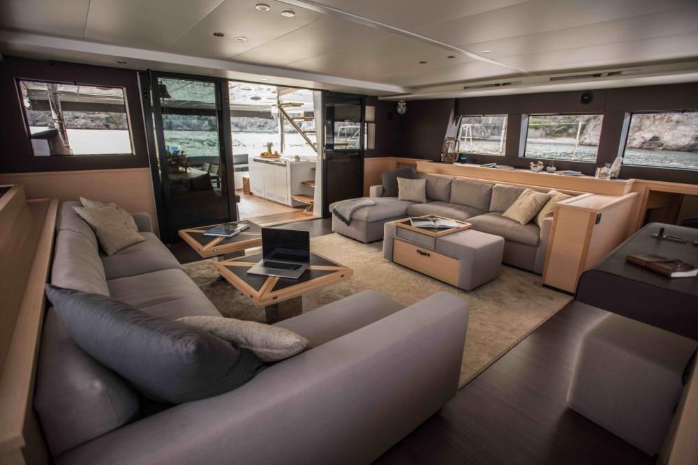 Noleggio Catamarano con o senza skipper Lagoon Salerno
