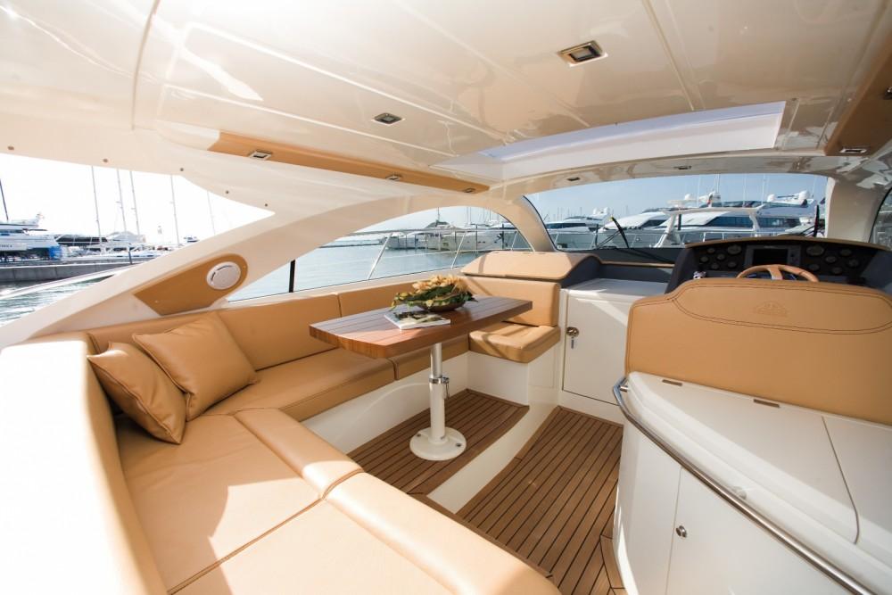 Noleggio Barca a motore Astondoa con una patente