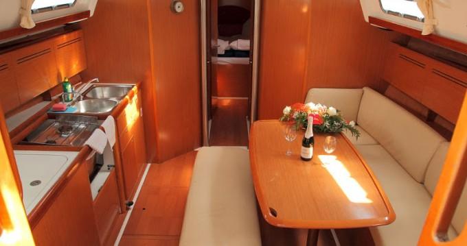 Noleggio Barca a vela con o senza skipper Bénéteau a Rogač