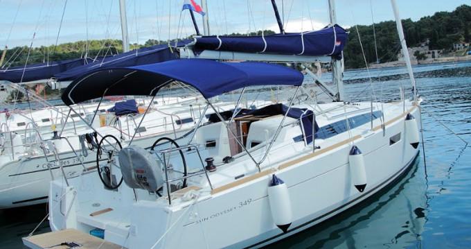 Noleggio Barca a vela a Rogač – Jeanneau Sun Odyssey 349