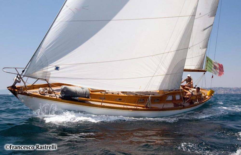 Noleggio Barca a vela Sparkman And Stephens con una patente