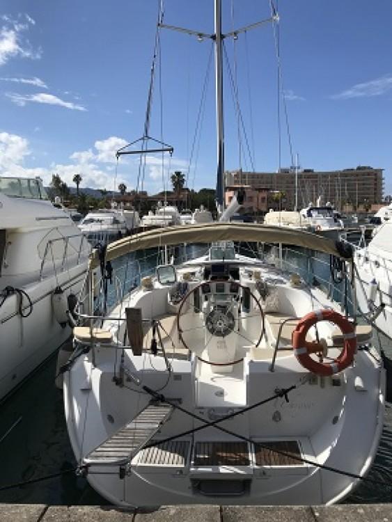 Noleggio barche Bénéteau Oceanis Tonnarella su Samboat
