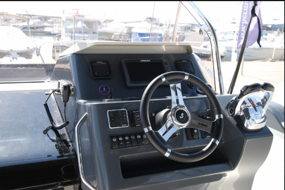 Noleggio barche Bénéteau Flyer 8.8 SPACEdeck  su Samboat