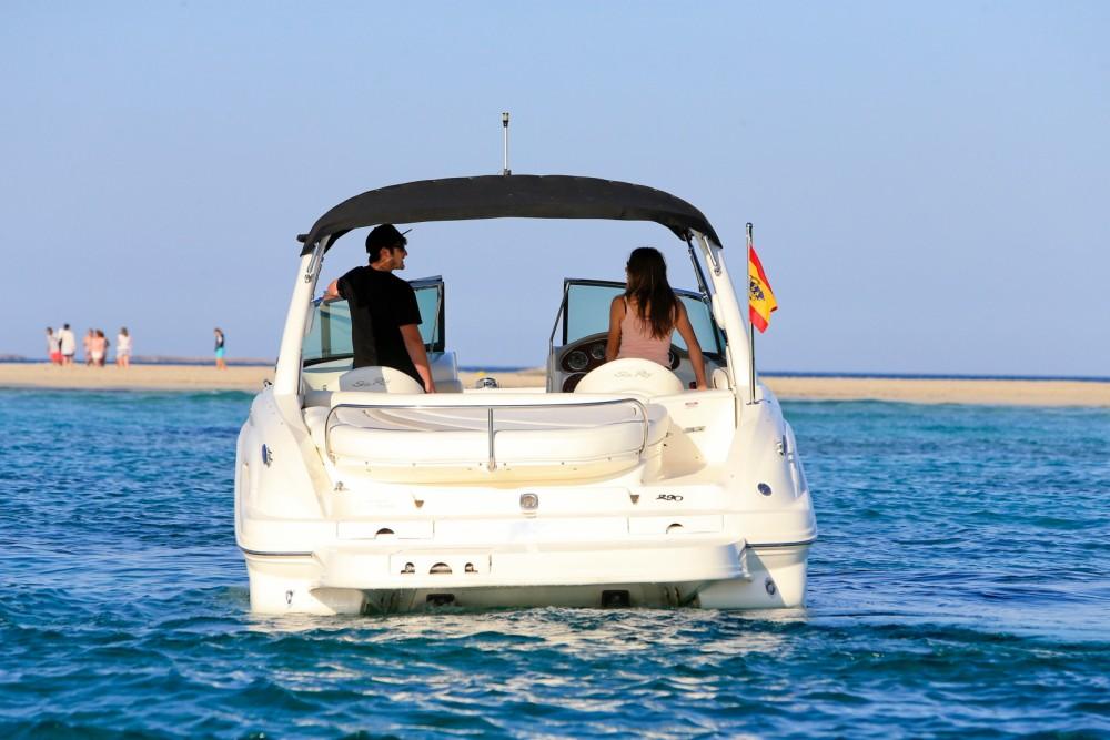 Noleggio Barca a motore Sea Ray con una patente