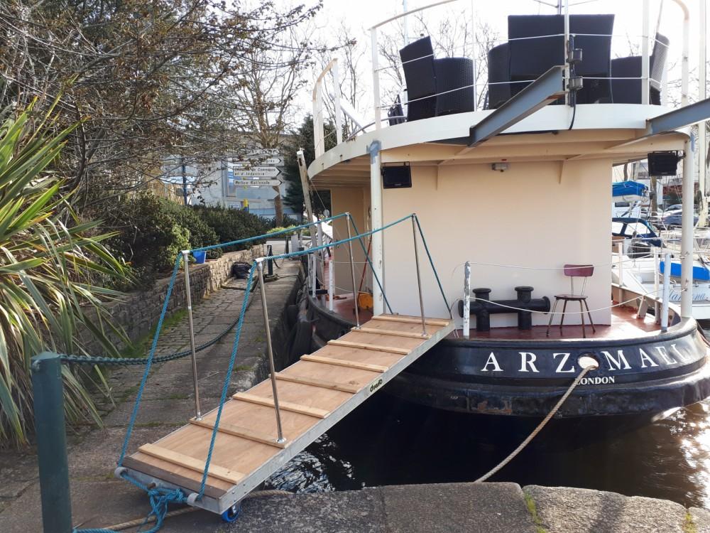 Noleggio Yacht Remorqueur  con una patente