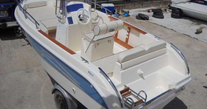 Barca a motore a noleggio a Milazzo al miglior prezzo