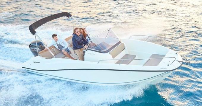 Noleggio barche Fréjus economico Quicksilver 675 Open Activ
