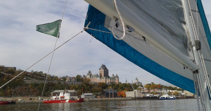 Catamarano a noleggio a Lévis al miglior prezzo