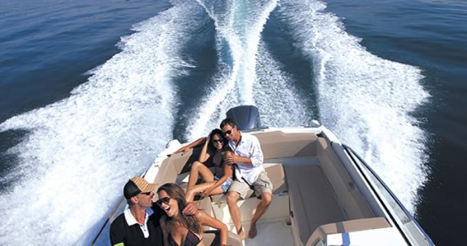 Noleggio Barca a motore a Hyères – Jeanneau Cap Camarat 7.5 DC