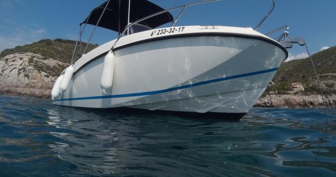 Quicksilver Activ 555 Open tra privati e professionisti a Port Ginesta