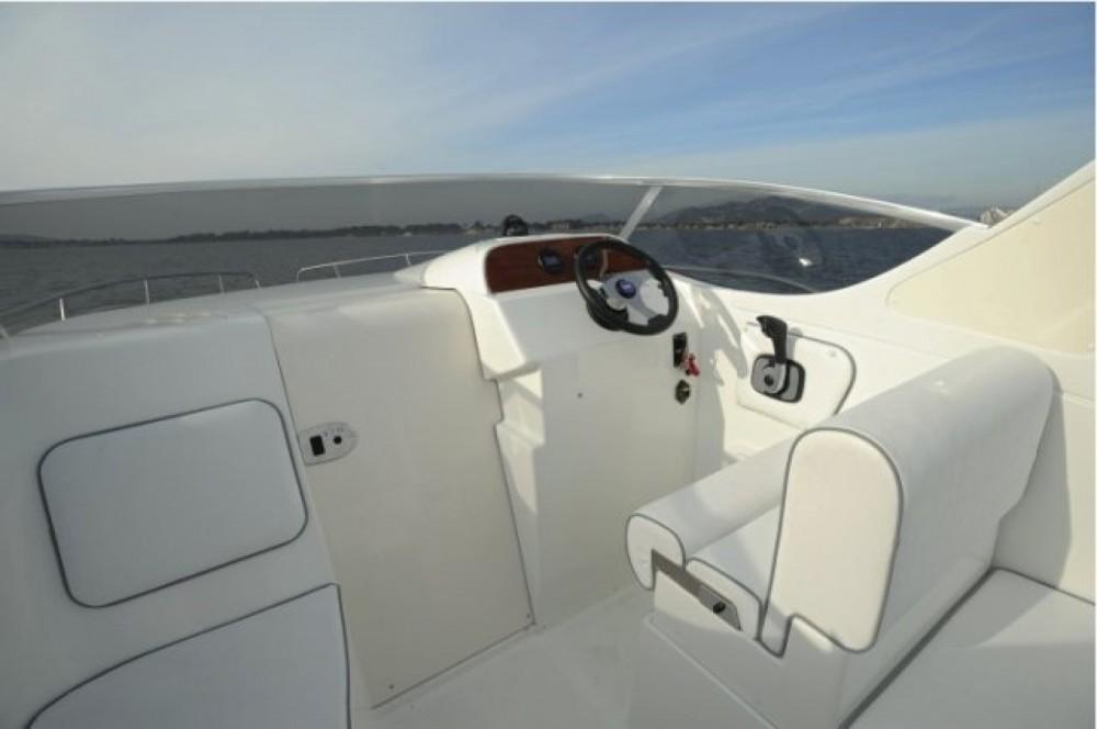Noleggio Barca a motore con o senza skipper Selva Pianottoli-Caldarello