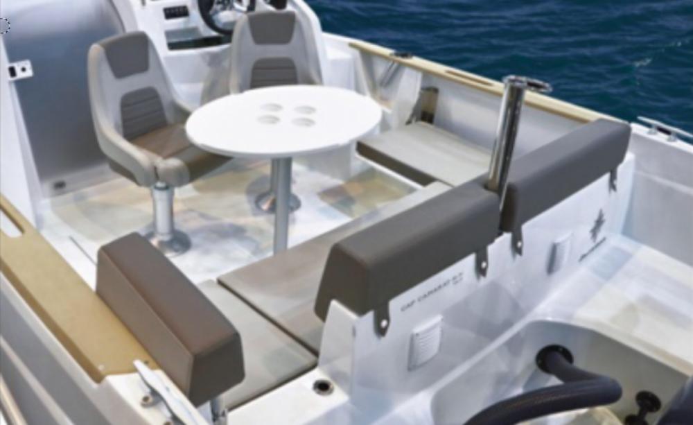 Noleggio Barca a motore con o senza skipper Jeanneau Novi