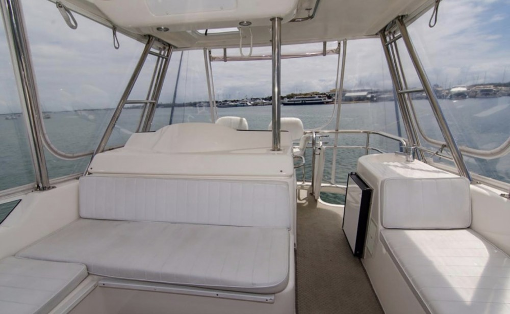 Barca a motore a noleggio Napoli al miglior prezzo