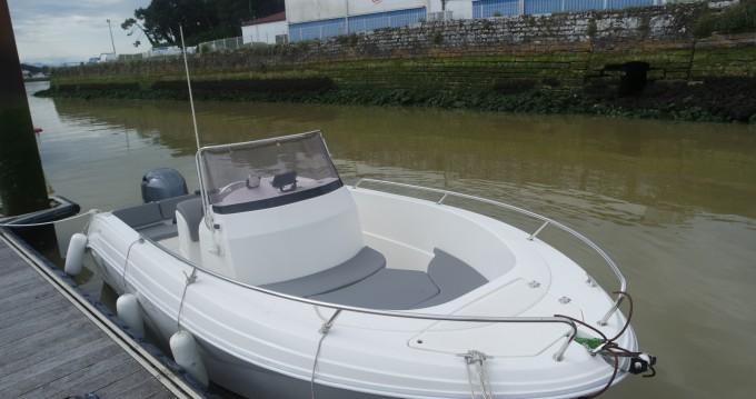 Barca a motore a noleggio a Anglet al miglior prezzo