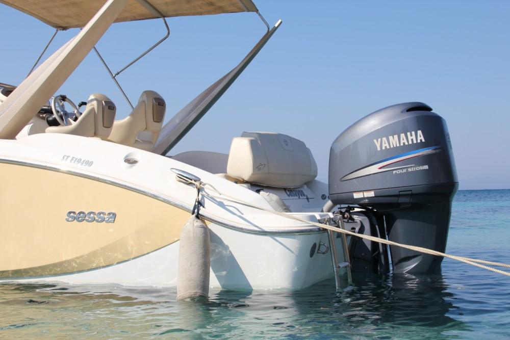 Sessa Marine Key Largo 24 tra personale e professionale La Seyne-sur-Mer