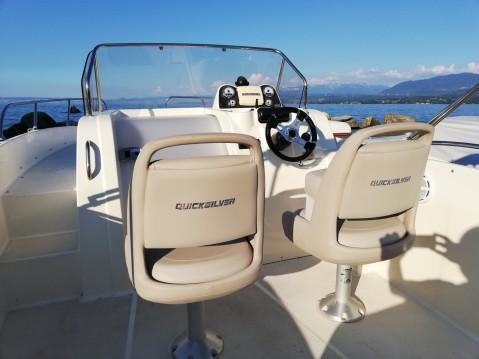 Noleggio yacht a Excenevex – Quicksilver Activ 675 Sundeck su SamBoat