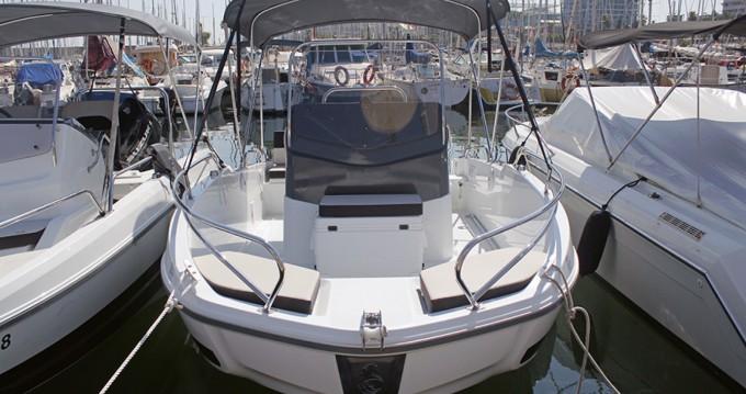 Noleggio barche Barcellona economico Flyer 5.5 SPACEdeck