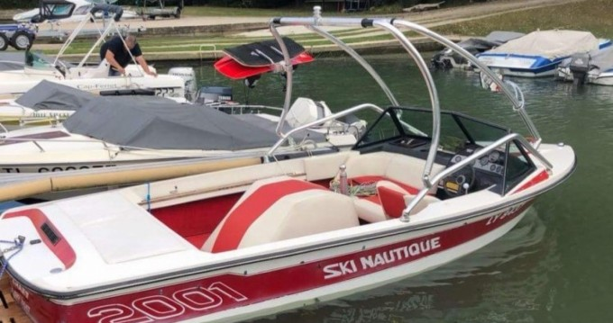 Noleggio yacht a Saint-Fargeau-Ponthierry – Nautique Correct Craft Competition Ski Boat 2001 su SamBoat