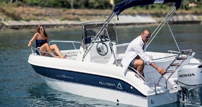 Barca a motore a noleggio a Collioure al miglior prezzo