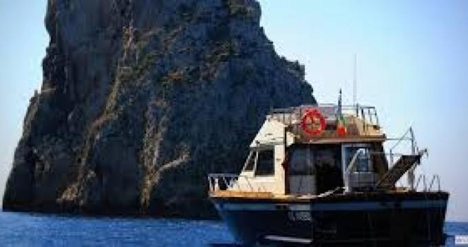 Noleggio Barca a motore a Gallipoli – Posillipo ANTIGUA 38 FLY