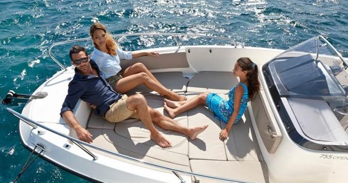 Noleggio Barca a motore Quicksilver con patente nautica