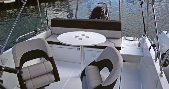 Barca a motore a noleggio a Port de Estartit al miglior prezzo