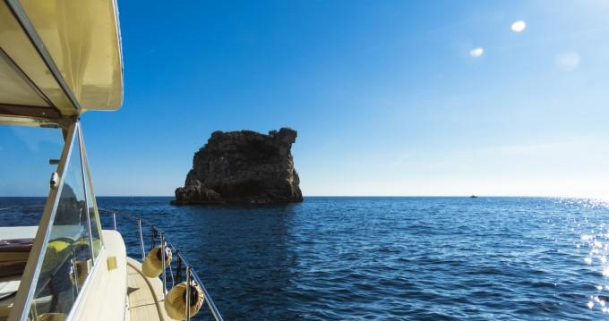 Noleggio Barca a motore a Amalfi – Chris Craft Commander 31