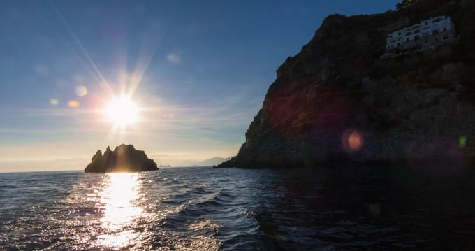 Noleggio Barca a motore con o senza skipper Chris Craft a Amalfi