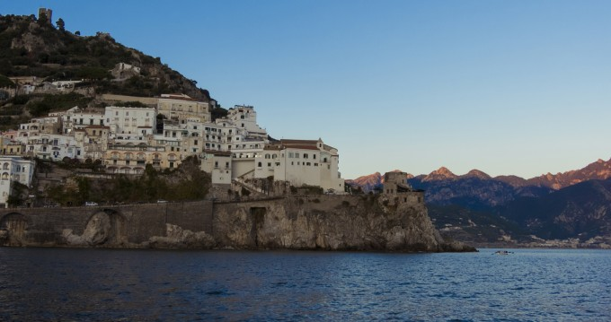 Noleggio barche Amalfi economico Commander 31