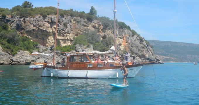 Noleggio barche Mallorquina  motor-sailing a Distrito de Setúbal su Samboat