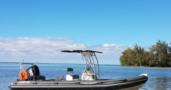 Noleggiare una Falcon Falcon 760 a Tahiti