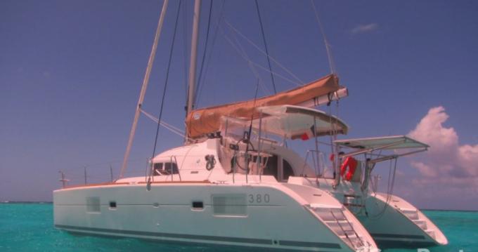 Noleggio yacht a Le Marin – Lagoon Lagoon 380 su SamBoat