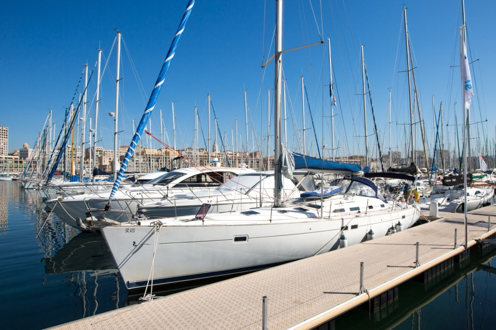Noleggio barche Bénéteau Oceanis 45 Marsiglia su Samboat
